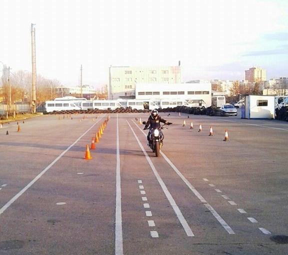 scoala moto ami - antrenamente in poligon