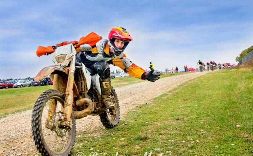 Cursuri cu campioni – Enduro la Scoala Moto AMI