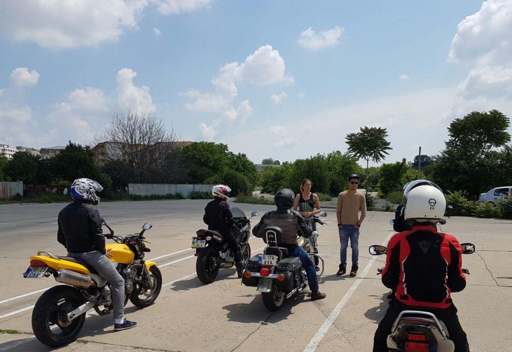 Atentie la motociclisti - scoala moto ami - bucuresti - cursuri perfectionare moto